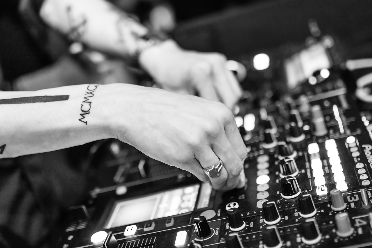 DJ web media frischbier
